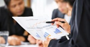 what can i do with a bachelor degree in accounting and a master degree in economics?